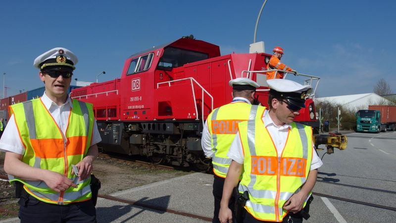 Zug und Polizei